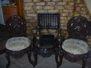 стол и стулья из сандалового дерева